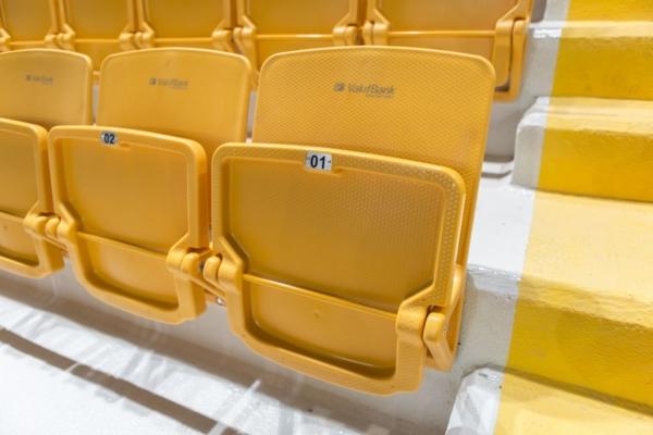 omega_tipup_backrest_monoblock_copolymer_pp_stadium_chair_seatorium_01