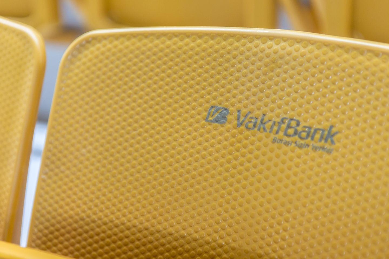 omega_tipup_backrest_monoblock_copolymer_pp_stadium_chair_seatorium_02